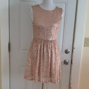 Size M Forever 21 Rose Gold Sequined Dress
